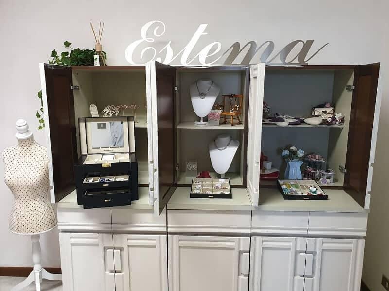 Showroom I Tesori di Estema - Orecchini, gioielli,bigiotteria e decorazioni fatte a mano a Verona