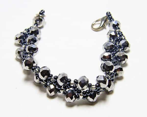 Braccialetto fatto a mano in tessitura di cristalli, gioiello artigianali realizzato a mano a Verona