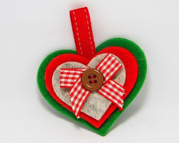 Cuore in feltro fatto a mano, decorazioni artigianali realizzate a mano a Verona. Idea regalo
