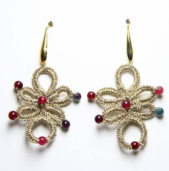 Orecchini fatti a mano in chiacchierino e giada, gioielli artigianali realizzati a mano a Verona