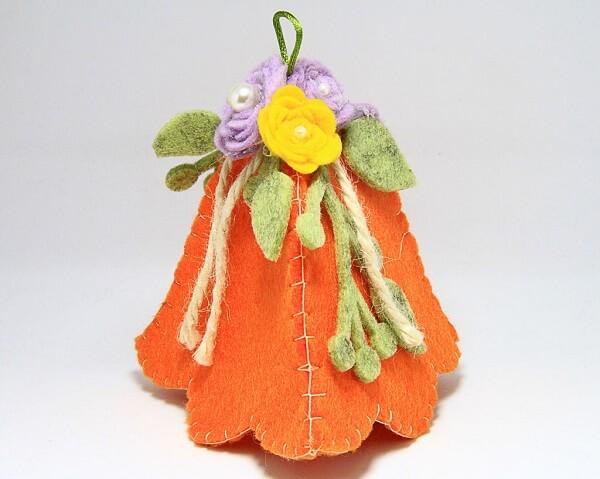 Campanella piccola in feltro fatta a mano, decorazioni artigianali realizzate a mano a Verona