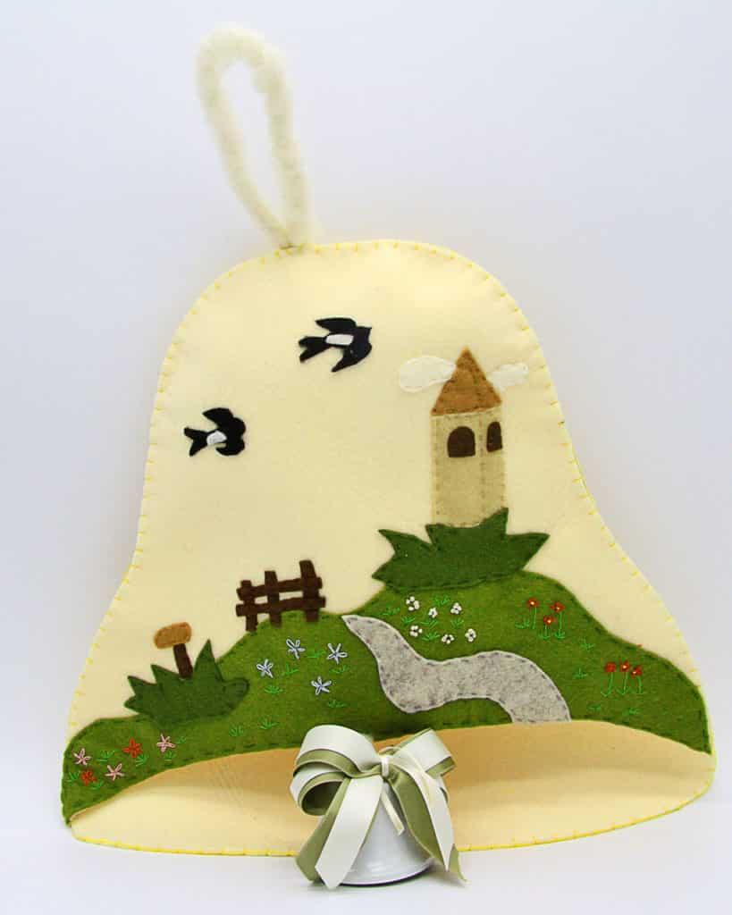 Campana in feltro con paesaggio fatta a mano, decorazioni artigianali realizzate a mano a Verona